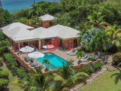 居外网在售美属维京群岛4卧4卫的房产总占地2752平方米USD 1,695,000