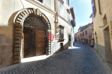居外网在售意大利2卧3卫最近整修过的房产总占地16平方米EUR 350,000