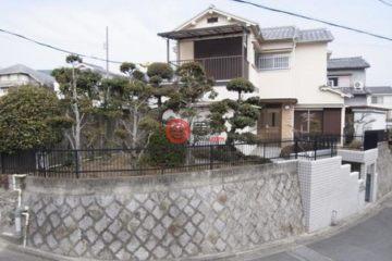 居外网在售日本4卧1卫曾经整修过的房产总占地145平方米JPY 11,900,000