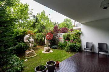 居外网在售罗马尼亚6卧7卫新房的房产总占地80平方米EUR 2,200,000