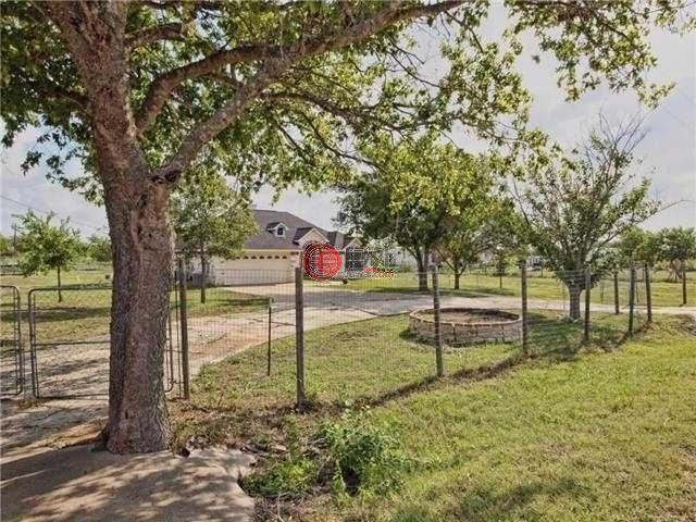 美国德克萨斯州圆岩的房产,20912 cameron rd coupland tx us,编号