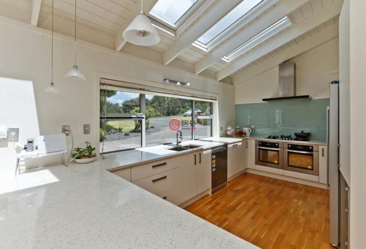 新西兰LucasHeights5卧2卫的房产电动折叠床图片