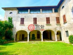 居外网在售意大利Manerba del Garda的独栋别墅总占地2000平方米EUR 2,500,000