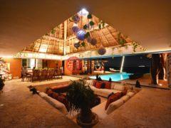 居外网在售墨西哥卡门海滩9卧12卫的房产总占地2625平方米USD 11,750,000
