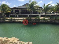 居外网在售荷兰加勒比区克拉伦代克3卧2卫的房产总占地421平方米USD 429,000