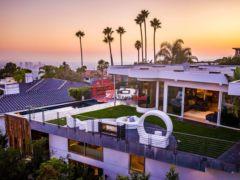 居外网在售美国洛杉矶4卧7卫的房产总占地1259平方米USD 9,995,000