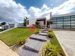 居外网在售波多黎各Guaynabo5卧5卫的房产总占地1001平方米USD 1,400,000