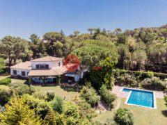 居外网在售西班牙Santa Cristina d'Aro的房产总占地2000平方米EUR 590,000