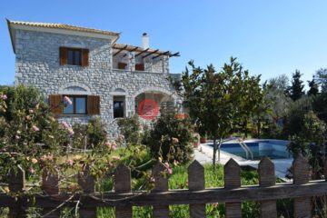 居外网在售希腊Methoni2卧2卫的房产总占地1300平方米EUR 299,000