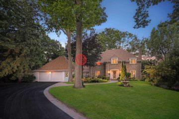 加拿大房产房价_安大略省房产房价_密西沙加房产房价_居外网在售加拿大密西沙加4卧5卫曾经整修过的房产总占地43978平方米CAD 3,799,000
