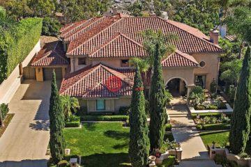 居外网在售美国6卧6卫最近整修过的房产总占地1174平方米USD 3,800,000