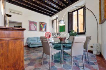 居外网在售意大利2卧1卫曾经整修过的房产总占地80平方米EUR 850,000