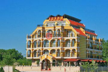 居外网在售保加利亚LozenecEUR 1,300,000总占地531平方米的商业地产
