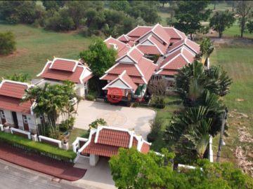 居外网在售泰国6卧7卫的房产总占地1964平方米USD 1,870,943