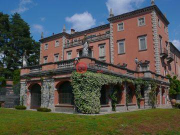 居外网在售意大利40卧20卫历史建筑改造的房产总占地620000平方米