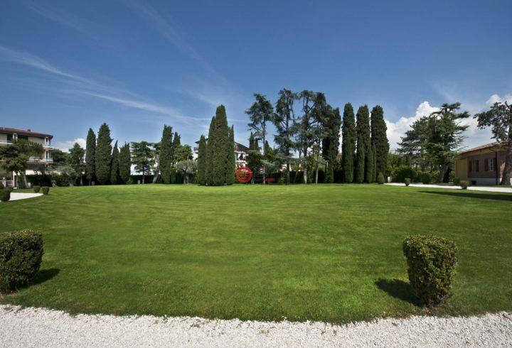 意大利BresciaSirmione的房产,Via Benaco,编号42017679